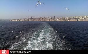 Orhan Pamuk: ''Ali ono što Bosfor za mene čini Bosforom i dalje je isto ono što je bilo u mom detinjstvu: za mene je Bosfor ono što čoveku daje zdravlje, što ga ozdravljuje, izvor nepresušnog dobra i optimizma koji grad i život drži na nogama.''Magični dualitet Bosfora ili Istanbula?